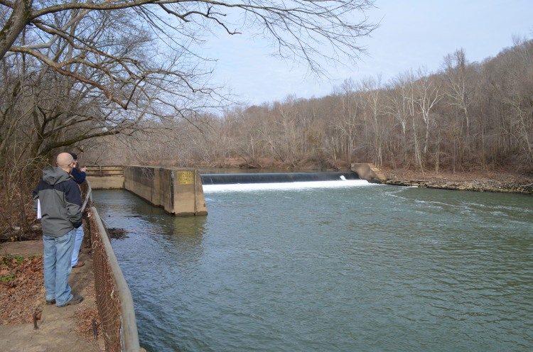 Green River Lock and Dam 6 served as a focus of discussion.